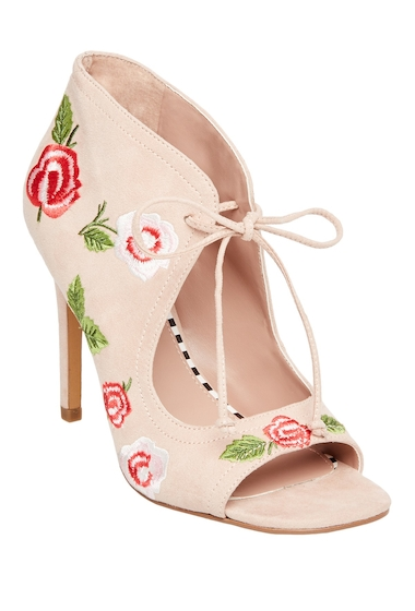 Incaltaminte Femei Betsey Johnson Carolin Embroidered Pump BLUSH